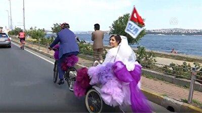Bicycle becomes wedding car for Turkish couple