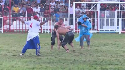 Turkish athlete sets record in oil wrestling event