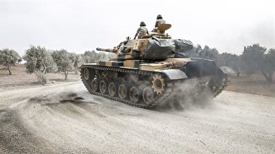 Turkey deploys more armored vehicles to Syrian border