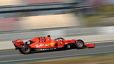 Motor racing-Ferrari and Mercedes neck-and-neck as F1 testing ends