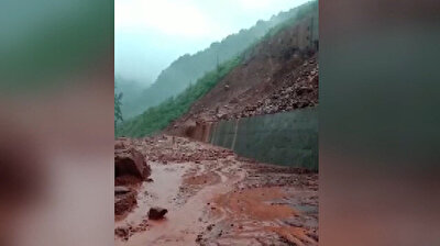 انهيار أرضي في الصين يطمر البيوت والسكان