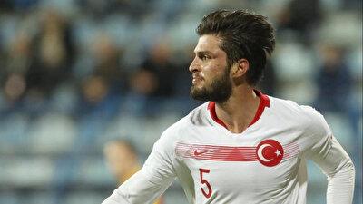 Okay Yokuşlu, A Milli Takım formasıyla çıktığı 22 maçta 1 gol attı.