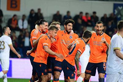 Başakşehir'in Ankaragücü'nü 2-1 mağlup ettiği mücadelede galibiyeti getiren golleri Crivelli kaydetti.