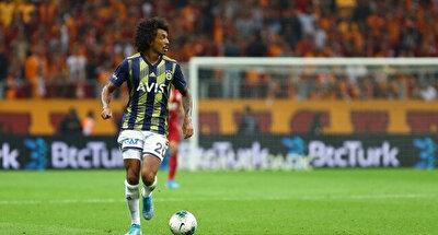Gustavo ligde oynadığı 16 karşılaşmada 2 gol 1 asistle oynadı.