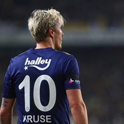 Süper Lig'de sarı-lacivertli forma ile 20 maça çıkan 32 yaşındaki futbolcu, 7 gol, 7 de asistlik performansıyla takımına katkı verdi.