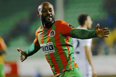 Vagner Love, 2016-2017 sezonunda Alanyaspor formasıyla Süper Lig'de gol krallığı yaşadı.