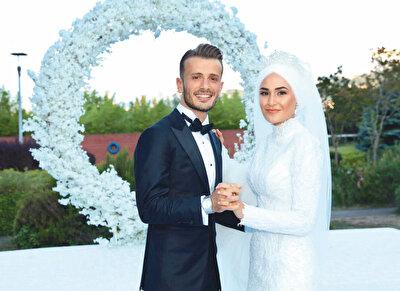 Abdulkadir Parmak, Merve Bozali ile evlendi.