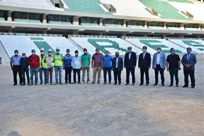 Vali Enver Ünlü ve milletvekili Cemal Öztürk, yapımı devam eden stadyumla ilgili açıklamalarda bulundu.