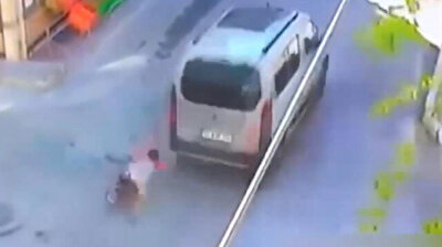 Little boy on bike barely cheats death in Turkey