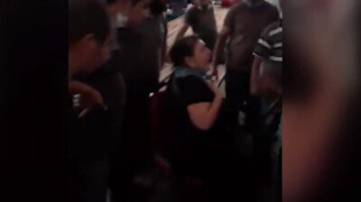 Turkish market traders on Friday (August 28) rallied to help a distraught woman who had her purse stolen. The woman was in tears after thieves took all her money in the crowded market place. The traders donated 1200 Turkish Lira (about $165) to help.