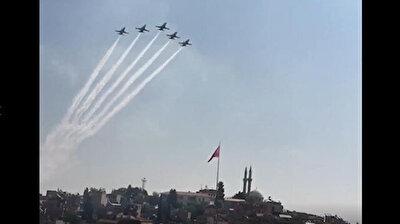 'Turkish Stars' put on breathtaking flight performance for famous tech festival