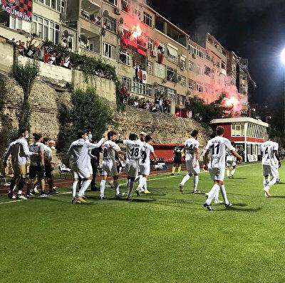 Karagümrük sadece kupa maçlarını Vefa Stadı'nda oynuyor.