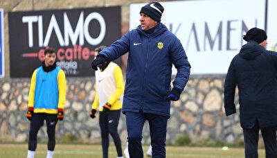 Yeni Malatyaspor Teknik Direktörü Hamza Hamzaoğlu, eski takımı Galatasaray'a kupada rakip oluyor.