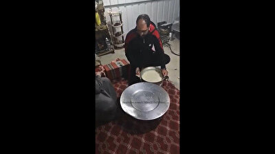 Egyptian men fail miserably in rice tossing debacle, eat off the floor