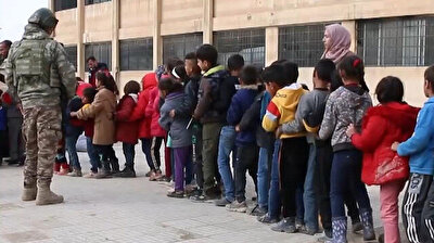 The Turkish Armed Forces (TAF) provided stationery, clothing and food to 1000 students in the Rasulayn district, which was purged of Kurdistan Workers' Party (PKK) terror elements in Syria. Next week, the household needs of 200 families, determined by the social services unit of the local council, will be met by Turkey.