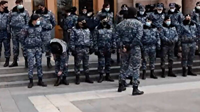 بعد الحديث حول محاولة انقلاب.. الشرطة الأرمنية تحاصر مبنى الحكومة