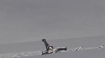 المشاهد الأولى للعثور على أنقاض المروحية التركية التي سقطت