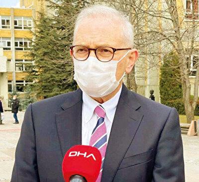 Murat Akova