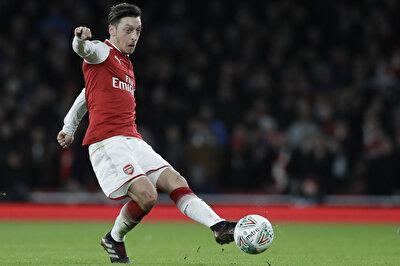 30 yaşındaki Mesut Özil 2013 yılında 47 milyon euro karşılığında Real Madrid'ten Arsenal'a transfer olmuştu. Geçtiğimiz sezon 35 karşılaşmaya çıkan Özil, 6 gol 3 asist ile oynamıştı.