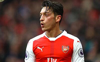 Arsenal taraftarlığıyla bilinen İngiliz televizyon fenomeni Colin Newell geçtiğimiz günlerde, Mesut Özil'in İstanbul'dan ev aldığını iddia etmişti.