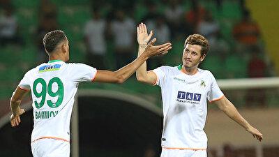 Salih Uçan, Alanyaspor formasıyla çıktığı 14 resmi maçta  2 asist kaydetti.