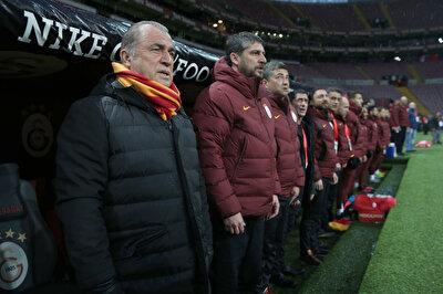 Fatih Terim'in koronavirüse yakalanmasının ardından Galatasaray Futbol Takımı'nda da endişe havası oluştu ve futbolcular yeniden testlere alındı.