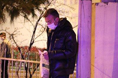 Murat E. kendisini görüntülemeye çalışan gazetecilere Ben terörist değilim, Ankara bebesiyim. Sıkıntı yok kardeşim. şeklinde cevap verdi.
