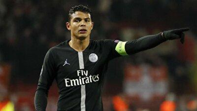 Thiago Silva - Sözleşmesi biten oyunculara arasında PSG'nin 35 yaşındaki kaptanı da bulunuyor. Deneyimli stoper 4.8 milyon euro değerinde.