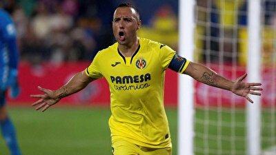 Santi Cazorla - Villarreal forması giyen 35 yaşındaki orta sahasın sözleşmesi bitiyor. Santi Cazorla'nın güncel bonservis değeri 3.2 milyon euro olarak biliniyor.
