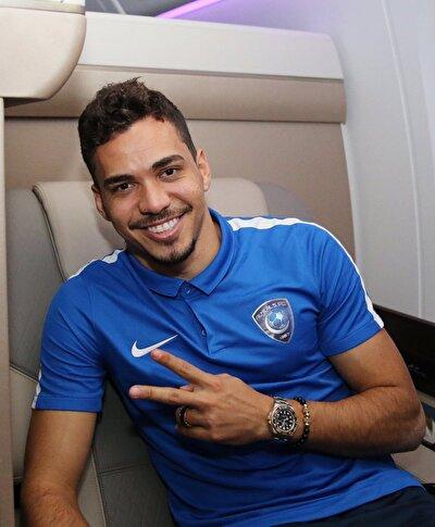 Carlos Eduardo - Al Hilal'de oynayan 30 yaşındaki oyuncunun sözleşmesi sona eriyor. Deneyimli on numara 4.8 milyon euro değerinde.