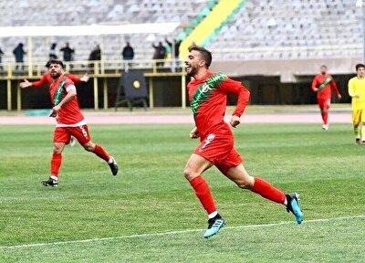 TFF 3. Lig 2. Grup'ta mücadele eden İzmir temsilcisi Karşıyaka forması giyen Doğukan İnci'yi uzun süredir takip eden siyah-beyazlı kulübün scoutları, bu futbolcu hakkında olumlu rapor verdi.