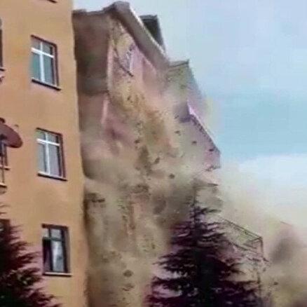 4.2lik depremde çöktü