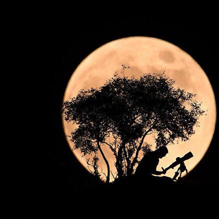 Gece gökte doğar ay