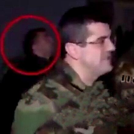 İşgalci Ermenistan komutanı açıklama yaparken askerlerin SİHA korkusu dikkat çekti