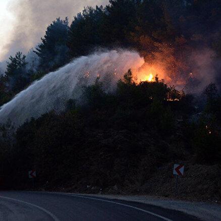 Mersin Anamurdaki orman yangını kontrol altına alındı: Mersin-Antalya kara yolu da yeniden trafiğe açıldı