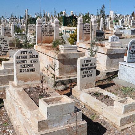 Mezarlıkta şaşırtan görüntü