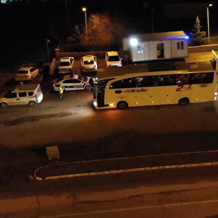 Otobüs ve özel araçlartek tek durduruldu