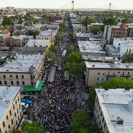 Binlerce kişi sokağa indi