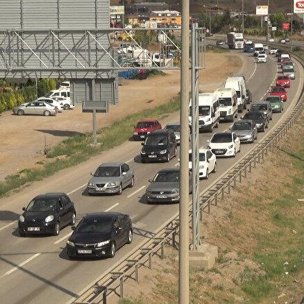 43 ilin geçiş noktasında trafik kilitlendi