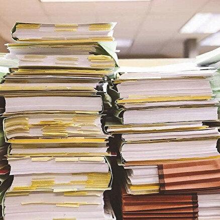 Bürokrasi işleri yokuşa sürüyor