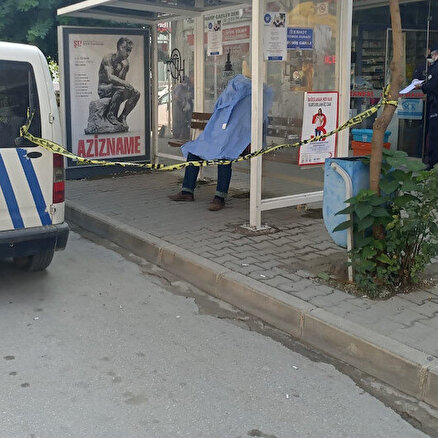 Ölüm durakta yakaladı: Minibüs bekleyen adam durakta hayatını kaybetti
