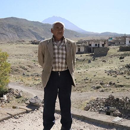 Herkes gitti bir tek o kaldı: 10 yıldır bu köyde tek başına yaşıyor