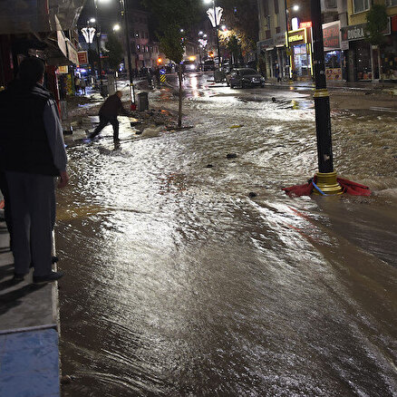 Cadde nehre döndü