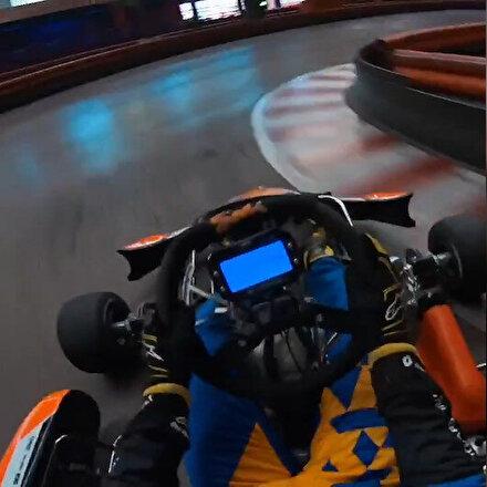 F1 pilotu Carlos Sainz go-kart aracı kullandı