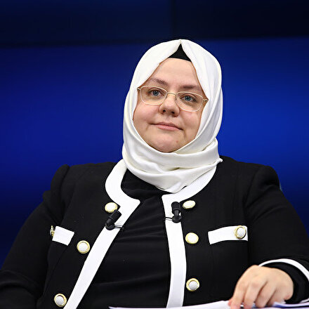 Aile, Çalışma ve Sosyal Hizmetler Bakanı Selçuk: Tüm iş yerleri kısa çalışma ödeneğine başvursun