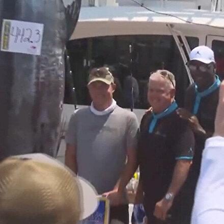 NBA efsanesi Michael Jordan 201 kglık balık yakaladı