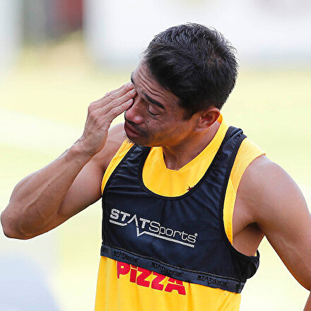 Galatasaray antrenmanında duygu dolu anlar: Yuto Nagatomo gözyaşlarıyla veda etti