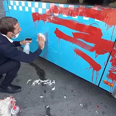 Otobüse alınmayınca şoföre kızdı, camları yumruklayıp aracı kırmızıya boyadı