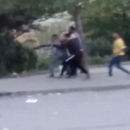 Tekirdağda husumetli iki grup arasında silahlı kavga kamerada