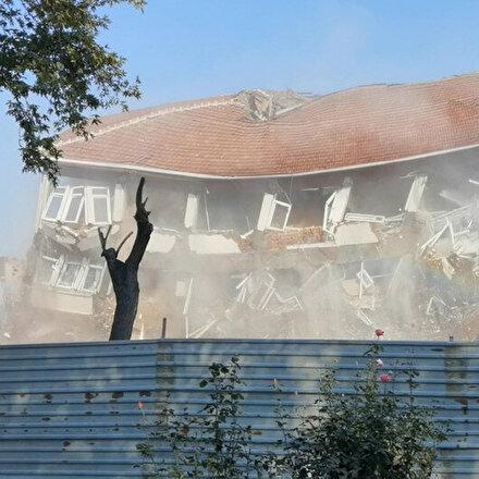Hükümet konağı binası incelemeler sırasında yıkıldı